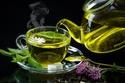 الشاي الأخضر به مكونات تساعد الجسم على معالجة الدهون بطريقة أسرع