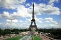 عودة الأنوار والسائحين إلى برج إيفل بباريس