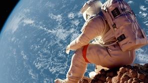 صور:10 معلومات عن الحياة بالفضاء: الشمس تشرق 16مرة.. وسيزداد طولك7 سم