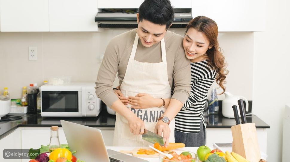 5 طرق لمعاملة الزوج لزوجته لامتلاك قلبها