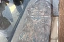 يضم الهرم بداخله تابوت دفن من الجرانيت الأحمر للملك سنوسرت الثاني