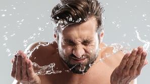 هل تغسل وجهك بالصابون؟ إليك بدائل أكثر صحية لبشرتك