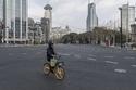 الشوارع خالية وعيون المصورين لا تنام: هذا ما فعله كورونا في العالم