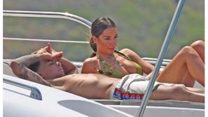 صور: ديلي آلي لاعب توتنهام يستأجر يختًا بـ 50 ألف دولار