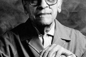 المصري نجيب محفوظ الروائي المصري حصل على نوبل في الأدب 1988م