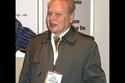 رونالد واين باع حصته في أبل بـ800 دولار فقط عام 1976