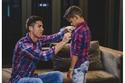 صور: كريستيانو رونالدو يُلقن ابنه هذا الدرس الذي لن ينساه