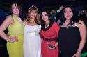 الفنانة منى اش اش الثانية من اليسار بصحبة صديقاتها