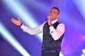 الهضبة عمرو دياب مقل في حضور المناسبات ولكنه لبي دعوة قمر