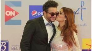 قبلة ورقصة.. ثنائيات المشاهير في مهرجان الجونة.. أيهم أكثر رومانسية؟
