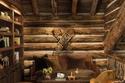 غرفة معيشة من الخشب