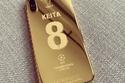 هواتف آيفون ذهبية للاعبي ليفربول 2