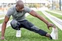 يُنصح بالبدء بعدد من تمارين الإحماء والشد قبل ممارسة التمارين الرئيسية