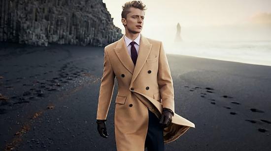1. المعطف الكلاسيكي - Overcoat