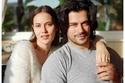 الممثل التركي بوراك أوزجيفيت وزوجته الفنانة فهرية أفجين