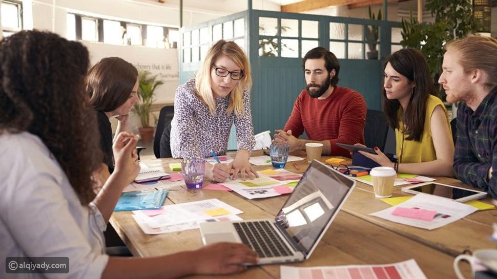 الفرق بين العمل الفردي والجماعي: أيهما أفضل؟