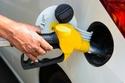 ألا ينخفض مستوى الوقود داخل الخزان إلى الربع تجنبا للشوائب داخل المحرك