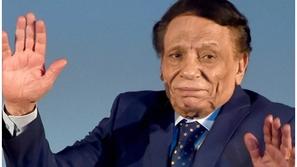 فنانون عرب تخطوا أحزانهم سريعًا..رقم 9 أحيا حفلاً بعد وفاة والده بأيام