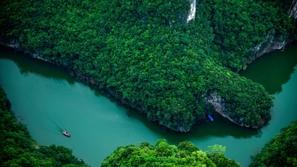 صور: أجمل الأنهار في العالم.. آلاف السياح يزورونها سنويًا
