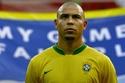 اعتزل رونالدو كرة القدم في عام 2011