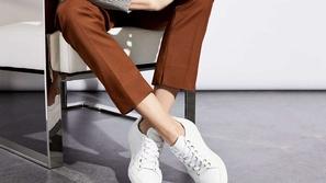 أحذية رياضية بيضاء للرجال 2020: للجرأة عنوان