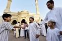 العيد في الإمارات - زيارات الأهل تطغى