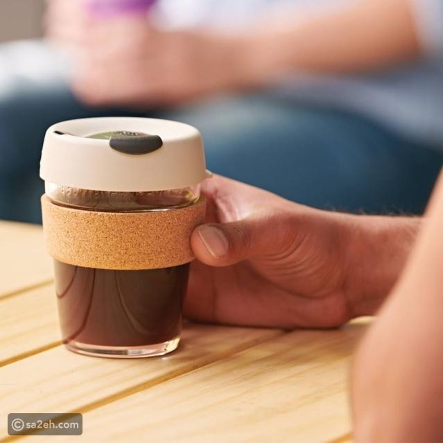 لمحبي السفر: أكواب قهوة قابلة لإعادة الاستخدام