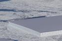 جبل جليدي مستطيلالحجم يثير الدهشة على السوشيال ميديا 1