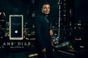 عمرو دياب بالبدلة الكلاسيكية وعطره الجديد