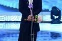 الممثل الكوري سو جي سوب بتنورة نسائية طويلة