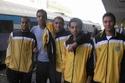 محمد صلاح ينتظر القطار كي يذهب للتدريب في نادي المقاولون