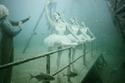 المصور النمساوي أضفى حياة بشرية على صور أنقاض السفينة
