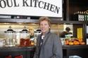 صور: مطعم أمريكي يقدم الطعام دون مقابل مادي!