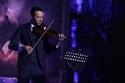 بدأ حياته الفنية كعازف لالة الكمان في فرقة عمرو دياب