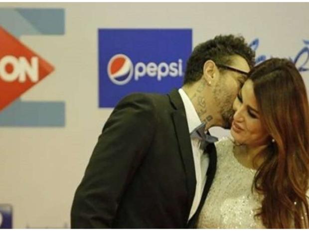 صور: قبلات المشاهير العرب في 2019.. رقم 8 أثارت الجدل