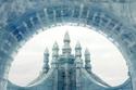 ينظم في هذه الفترة من العام مهرجان الثلج والجليد للنحت والتصاميم..