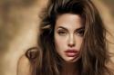 النجمة أنجلينا جولي