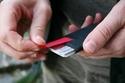 بالصور: 13 محفظة رجالية هي الأنسب للاحتفاظ بالبطاقات بدلاً من المحافظ الضخمة