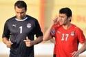 اللاعبان المصريان أحمد حسن وعصام الحضري هما الأكثر تتويجًا