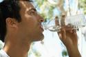 أكثر من شرب المياه خلال ساعات الإفطار،