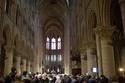 مصلون قبل عيد الفصح الكاثوليكي في كاتدرائية نوتردام