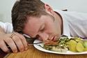 6 نصائح تجنبك الدخول في غيبوبة الأكل