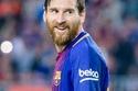 2- لاعب كرة القدم ليونيل ميسي