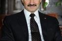 الأمير الوليد بن طلال.  قدرت ثروته بـ: 17.3 مليار دولار.  الترتيب: 41.