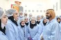 الشيخ محمد بن راشد خلال حواره مع الشباب الإماراتي المشارك في صنع القمر