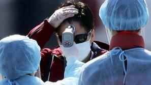 بالرغم من تخفيف الإجراءات: العالم يقترب من 5 ملايين إصابة بكورونا