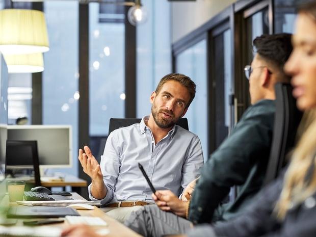 7 تقنيات اتصال عليك إتقانها في مكان عملك