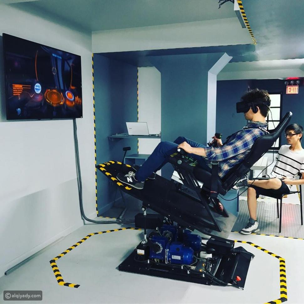 أجهزة محاكاة الطيران بالواقع الافتراضي: هل هي مستقبل تدريب الطيارين؟