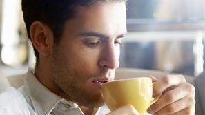 شرب القهوة يومياً يقلل من احتمالات الإصابة بالخرف