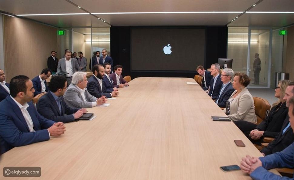 صور: الأمير محمد بن سلمان في زيارة لشركة آبل